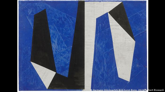 Painting by Hermann Glöckner, geometric forms in black, white and blue. (Hermann Glöckner/VG Bild-Kunst Bonn, 2019/Herbert Boswank)