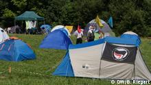 G7 Gipfel Biarritz. Protestcamp auf einem Campingplatz nahe Hendaye, Frankreich. Rund 500 Aktivisten zelten, wie diese antifaschistische Gruppe aus Frankreich. Aufgenommen am 23.08.2019. Foto: Bernd Riegert, alle Rechte DW.
