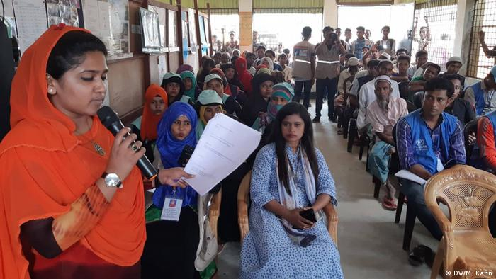 Rohingya refugees: Community radio program warns against fleeing again