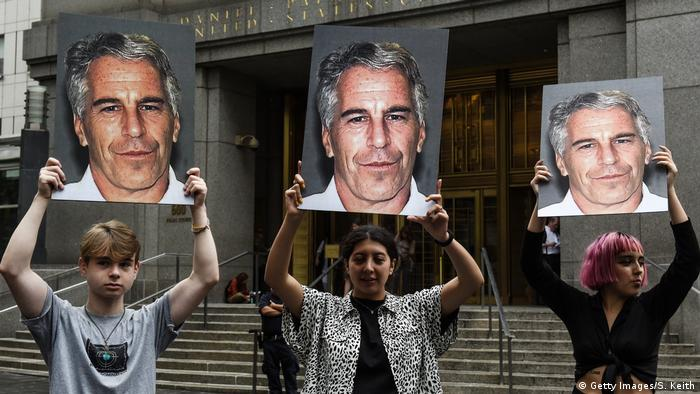 New York | Anklage Jeffrey Epstein Protest Hot Mess (Getty Images/S. Keith)