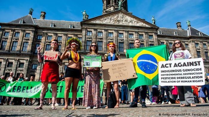 Niederlande Amsterdam | Proteste zum Schutz des brennenden Waldes am Amazonas (Getty Images/AFP/R. Fernandez)