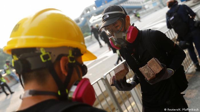 Hongkong Protest Polizei Zusammenstoß (Reuters/K. Pfaffenbach)
