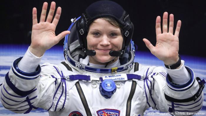 Anne McClain esteve a bordo da Estação Espacial Internacional entre dezembro de 2018 e junho de 2019