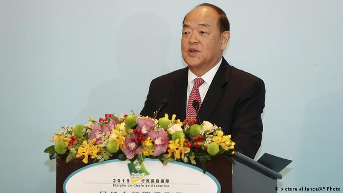 Macao Ho lat-seng, Chief Executive