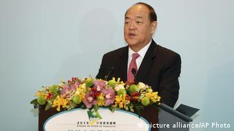Macao Ho lat-seng, Chief Executive (picture alliance/AP Photo)