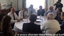 G7-Gipfel in Frankreich Treffen Sarif und Macron