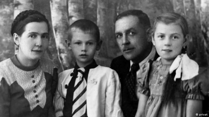 Polen, Wieluń - Jan mit Schwester Maria und Eltern 1938