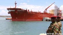 Kenia exportiert die erste Lieferung Rohöl Kenia exportiert die erste Lieferung Rohöl