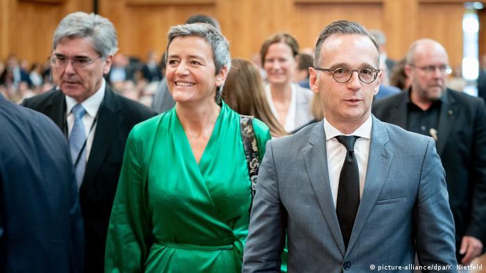 Bundesaußenminister Heiko Maas mit EU-Wettbewerbskommissarin Margarethe Vestager und Siemens-Chef Joe Kaeser