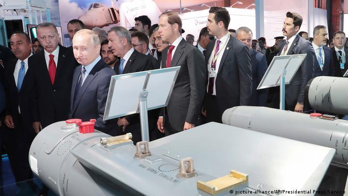 Russland Zhukovs | MAKS 2019 | Erdogan & Putin (picture-alliance/AP/Presidential Press Service)