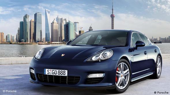 Porsche Panamera - конкурент из собственного дома