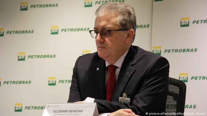 Aldemir Bendine, quien presidió Petrobras entre 2015 y 2016, había sido condenado en 2018 por Moro a 11 años de cárcel por corrupción y lavado de dinero por recibir sobornos de Odebrecht para facilitar contratos entre la constructora y la petrolera estatal.
