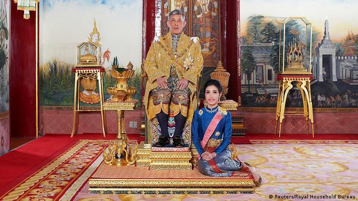 Thailand Monarchie   König Maha Vajiralongkorn & Geliebte General Sineenat Wongvajirapakdi