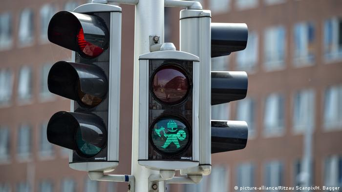 Viking traffic lights lead the way in the Danish city of Aarhus (picture-alliance/Ritzau Scanpix/H. Bagger)