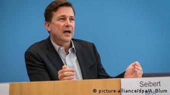 Alman hükümetinin sözcüsü Steffen Seibert
