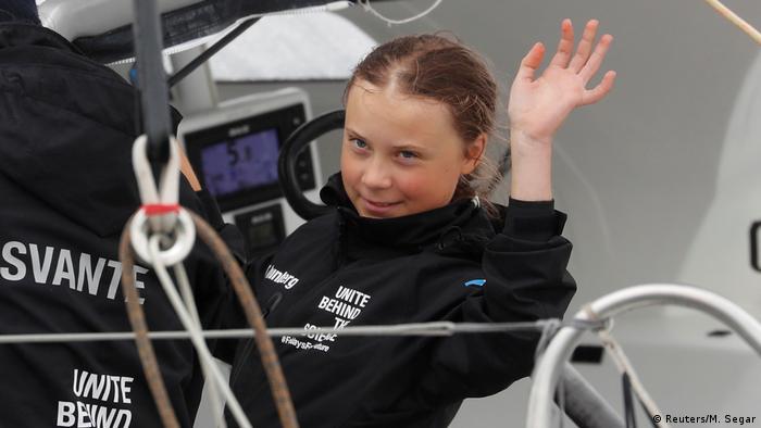 Greta Thunberg chega a New York em um veleiro