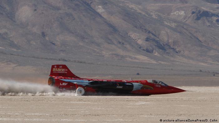 USA Jessi Combs stirbt bei Hochgeschwindigkeitsunfall (picture-alliance/ZumaPress/D. Cohn)