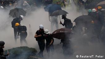 Hongkong Protest Polizei (Reuters/T. Peter)