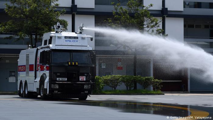 Hongkong Wasserwerfer Demonstration (Getty Images/M. Vatsyayana)