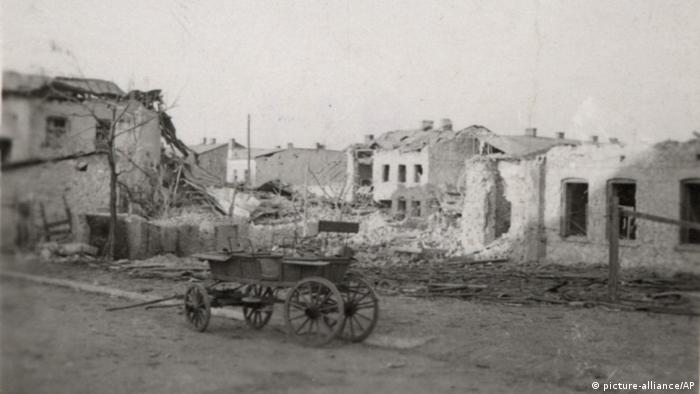 Polen Wielun Zerstörungen im zweiten Weltkrieg (picture-alliance/AP)