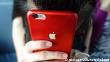 Rotes iPhone von Apple