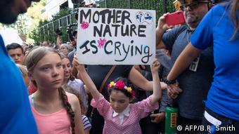New York City Greta Thunberg bei Protesten vor UNO (AFP/B.R. Smith)