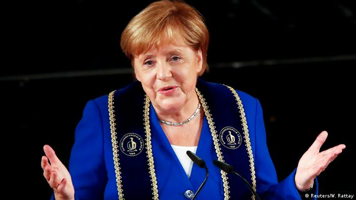 Angela Merkel, doctora honoris causa de la Leipzig Graduate School of Management.