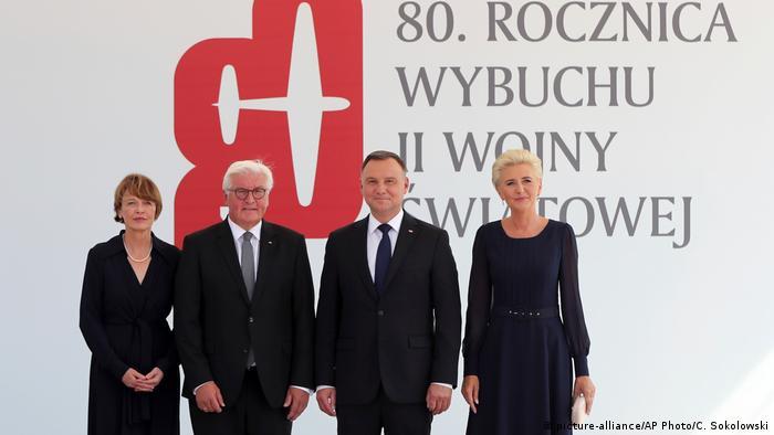 De derecha a izquierda, Andrzej Duda, presidente de Polonia, a su lado el presidente de Alemania, Frank-Walter Steinmeier, y las esposas de ambos.