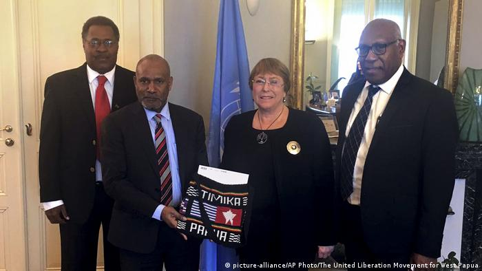 Benny Wenda with Michelle Bachelet at the United Nations.
