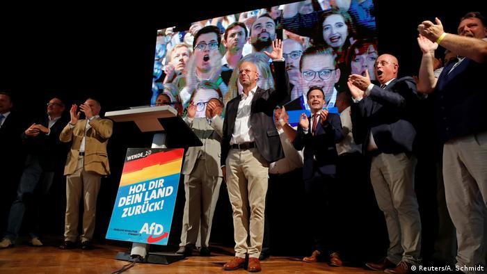 Lantagswahlen Brandenburg Andreas Kalbitz AFD Jubel (Reuters/A. Schmidt)