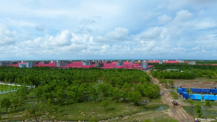 While the island is almost ready to host Rohingya refugees, the government has yet to make a decision on transferring them to it. Several sources say the relocation could take place in November. The Bangladeshi government has hinted it might have to force the refugees to go there if no one chooses to leave the Cox's Bazar's refugee settlements.