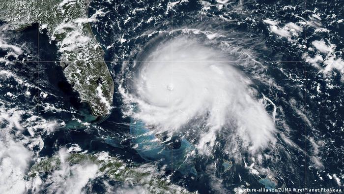 Esta imagen satelital tomada el 1 de septiembre muestra a Dorian llegando a las Bahamas y atacando el estado estadounidense de Florida.