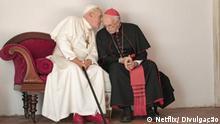 Szene des Films The Two Popes, von dem brasilianischem Regisseur Fernando Meirelles SW: Fernando Meirelles, papst, Netflix, The Two Popes, Film Datum: 2019 Copyrigth: Netflix/ Divulgação