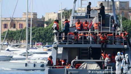 Σικελία: Ο στρατός θα επιτηρεί την καραντίνα μεταναστών