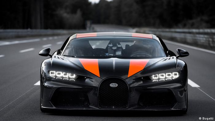 Bugatti Chiron 1 breaks 300 mph barrier on German test track