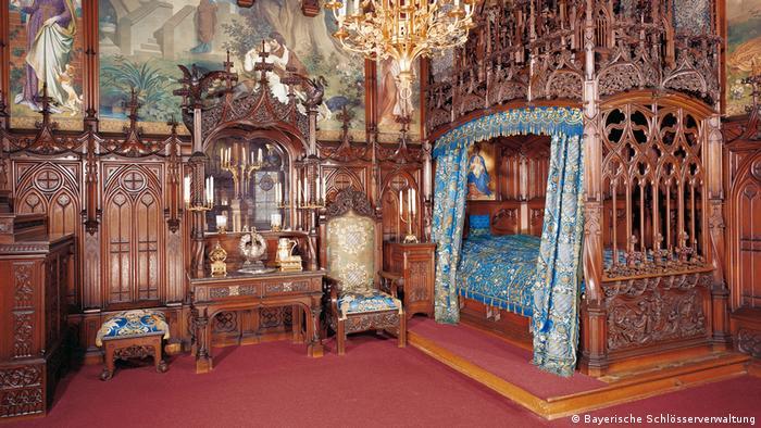 Bayern Schloss Neuschwanstein Schlafzimmer