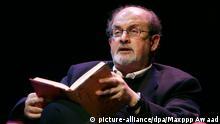 © Marlene Awaad/IP3 ; Paris, France le 16 octobre 2008 - Debat en presence de Salman RUSHDIE, a la BNF. Salman Rushdie during a book reading at the bibliotheque nationale de France in Paris. +++(c) dpa - Report+++ |