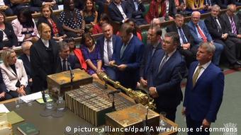 Aπό την χθεσινοβραδινή σύνοδο της βρετανικής βουλής που έφερε ανατροπή