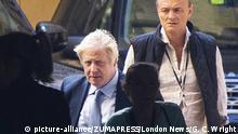 Großbritannien London   Boris Johnson am britischen Parlament