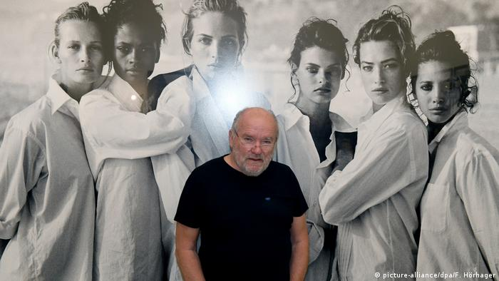 Deutschland | Ausstellung Peter Lindbergh - from fashion to reality (picture-alliance/dpa/F. Hörhager)