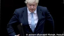 UK | Premier Boris Johnson vor Downing Street 10
