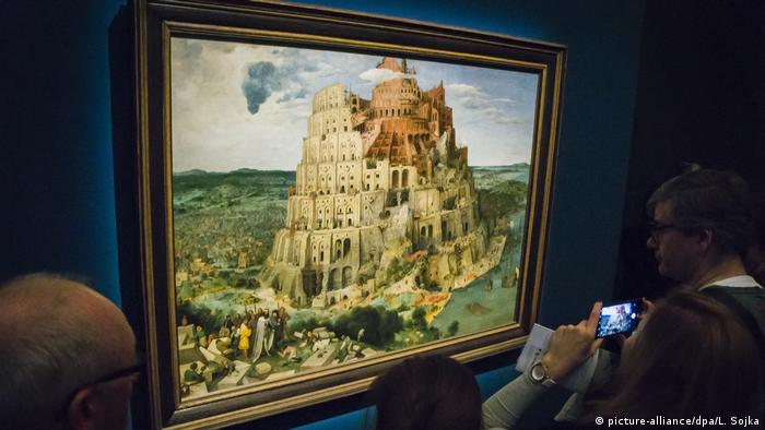 paitning by Pieter Bruegel the Elder, the Tower of Babel (picture-alliance/dpa/L. Sojka)