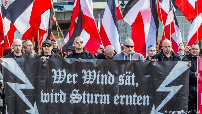 Symbolbild - Extremismus in Deutschland