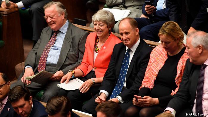 London Parlament Brexit-Debatte Theresa May (AFP/J. Taylor)