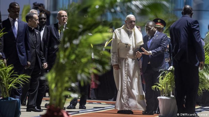 Papst Franziskus in Mosambik (DW/Ricardo Franco)