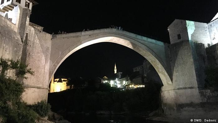 Bosnien und Herzegowina | Mostar die Alte Brücke nachts