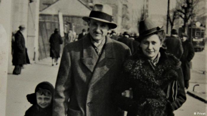 Stanisław Maciej Kicman as a child with his family (Private)