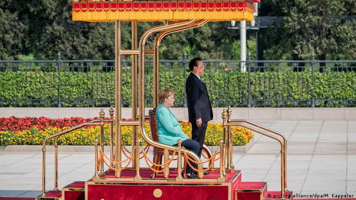 China: Bundeskanzlerin Merkel in Peking (picture-alliance/dpa/M. Kappeler)