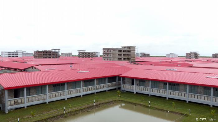 Dicht an dicht: Die Baracken für 100.000 Flüchtlinge auf Bhasan Char