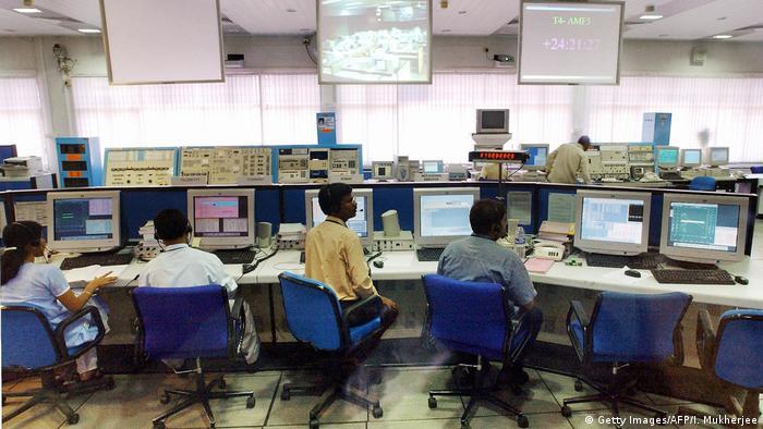 Sala de rastreamento da Organização Indiana de Pesquisa Espacial (ISRO)
